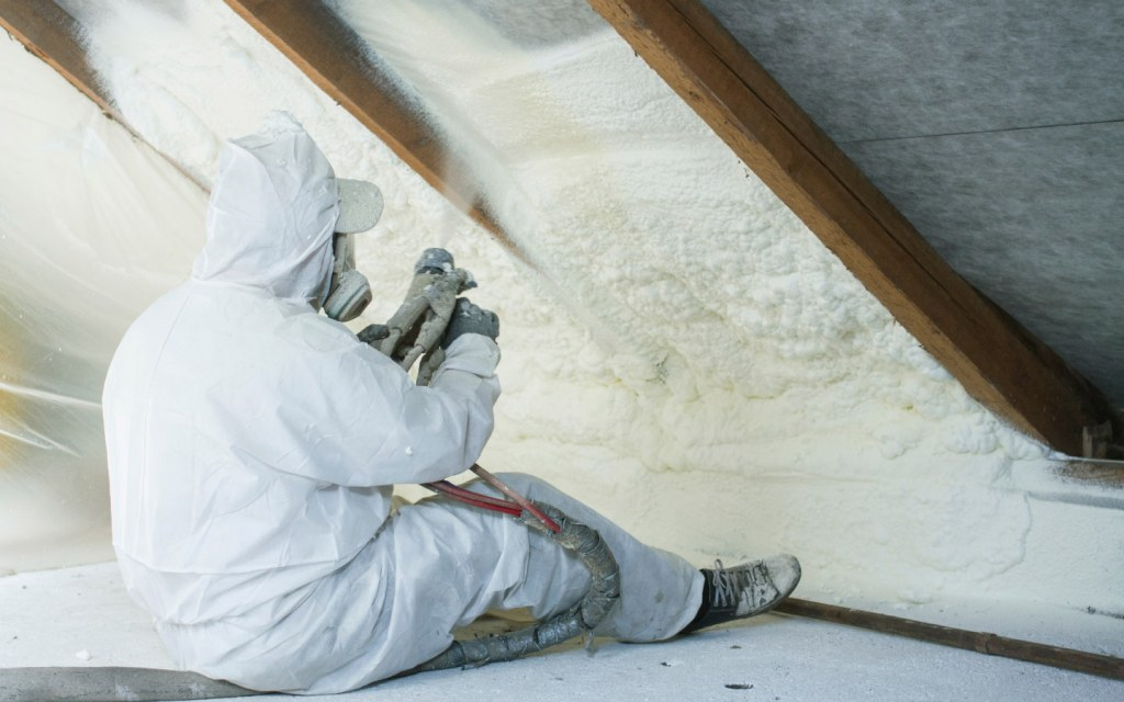 Foam like spray provides high thermal resistance