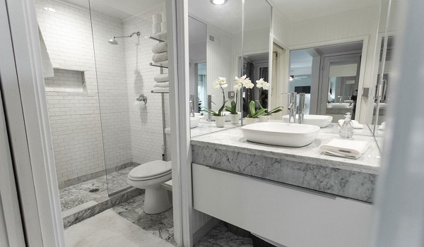 How to renovate your old bathroom zameen blog - Salle de bain couleur pastel ...