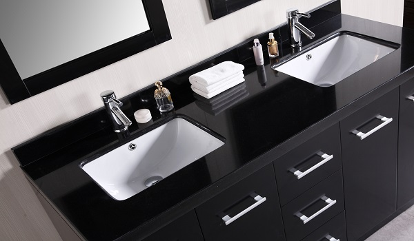 How to renovate your old bathroom zameen blog for Bathroom cabinets karachi