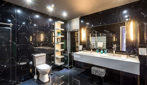 Fully tiled walls in the washroom