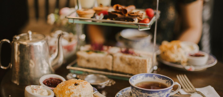 Food in Hi tea platter