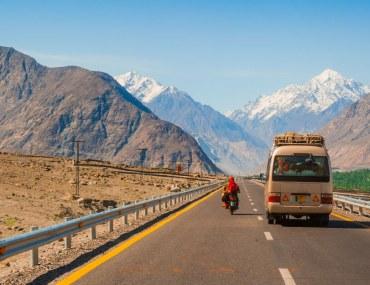 Karakorum highway in Autumn