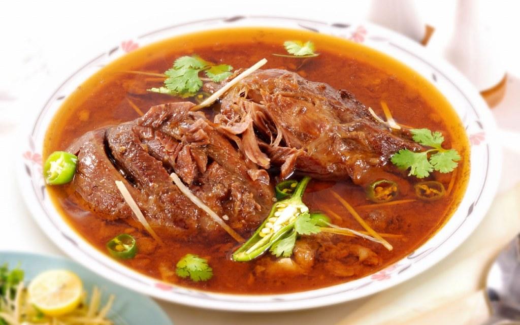 A serving of tantalizing Beef Nihari