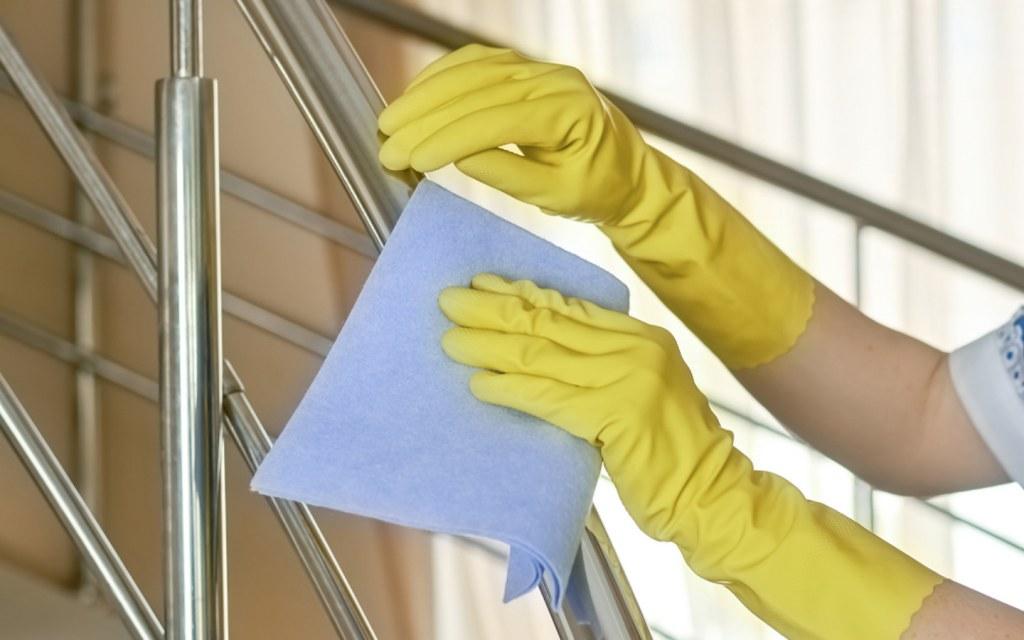 Cleaning Metal Railings