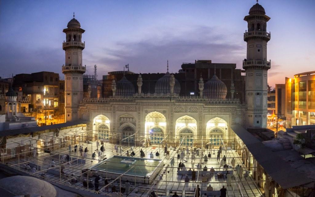Tourist attraction Mahabat Khan Mosque in Peshawar