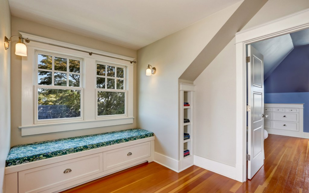 Functional window seat with drawers