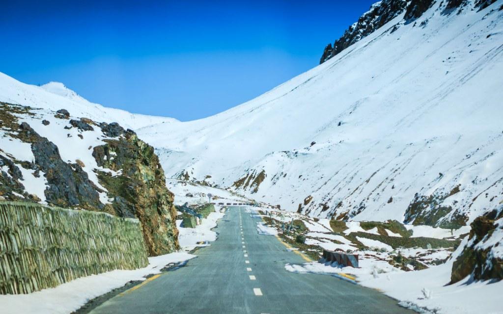 Road to Khunjerab Pass Pak-China Border