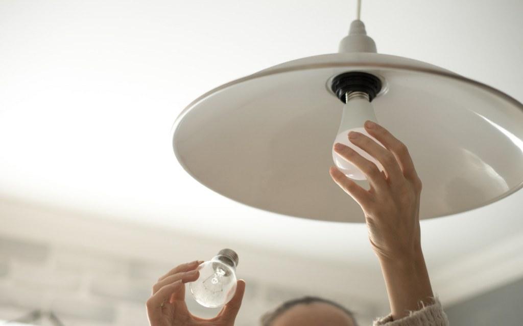Replacing a Bulb