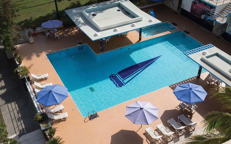 beach luxury hotel swimming pool