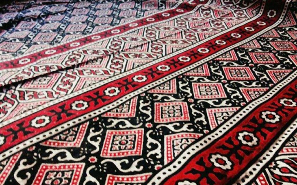 Ajrak a famous pakistani handicraft
