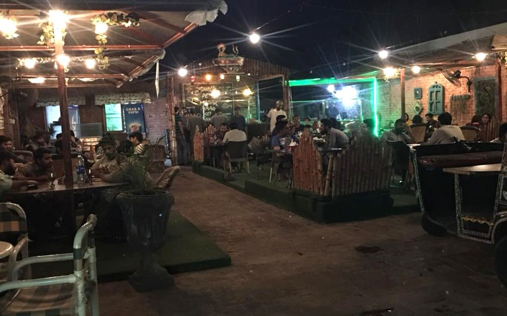 Chaaye Waala is one of the restaurants having arrangements for ICC World Cup 2019 screening in Lahore