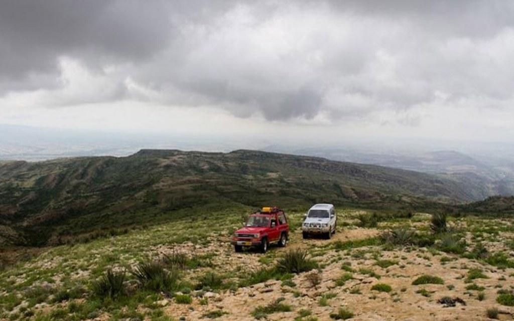 driving to gorakh hill station