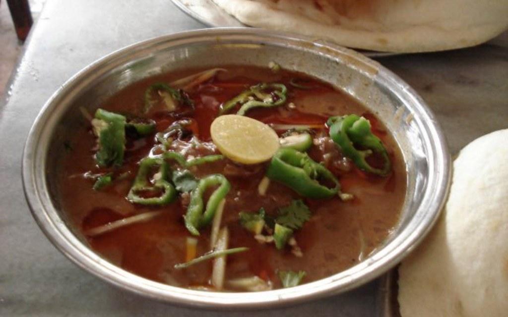 Javed Nihari offers the best nihari in Karachi