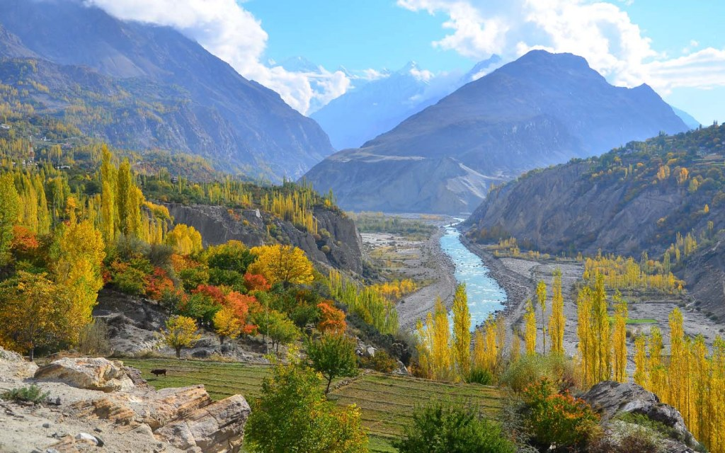 The beauty of Hunza Valley makes it among the top tourist destination in the world