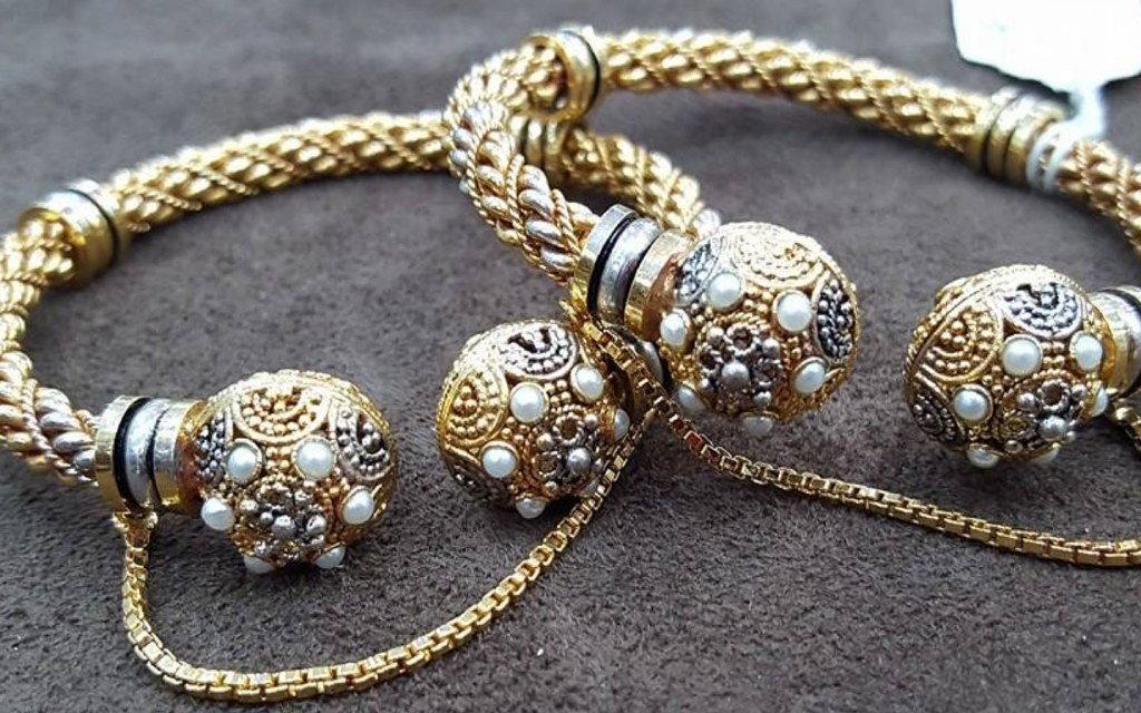 Pakistani handcrafted white Gold Jewellery