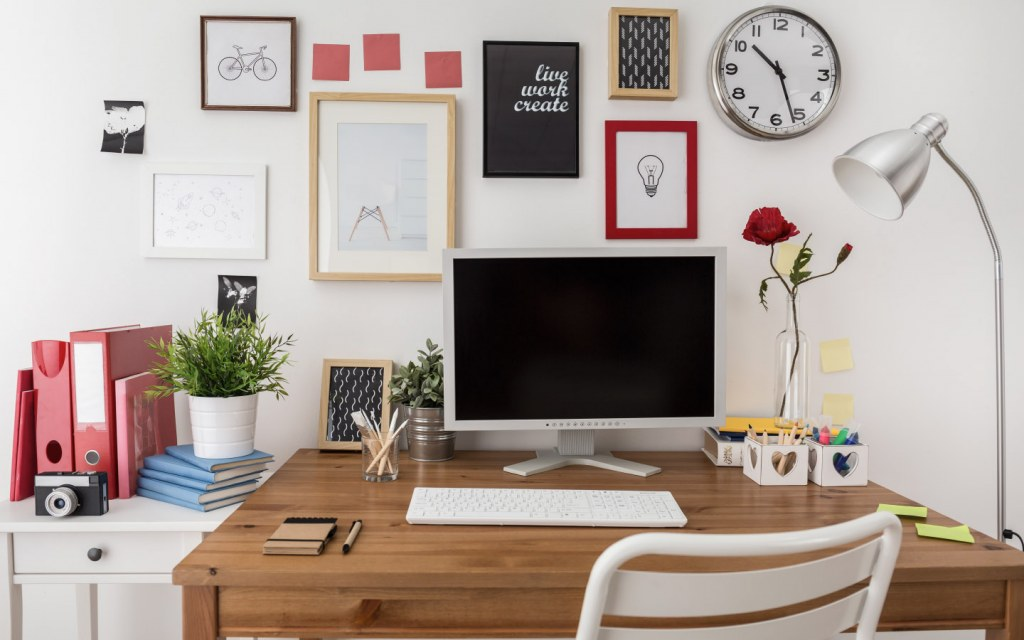 Personal touches in the home office can help you stay motivated when you lose focus