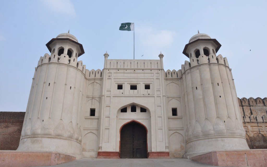 Lahore fort is one of the most famous places to visit in Lahore