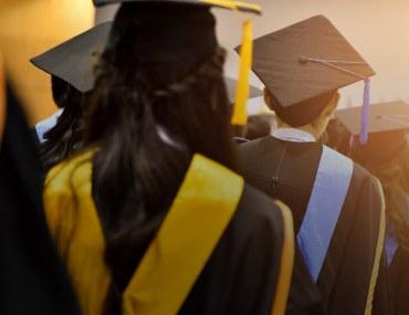 scholarships for pakistani students