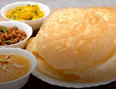 best places for halwa puri in Karachi