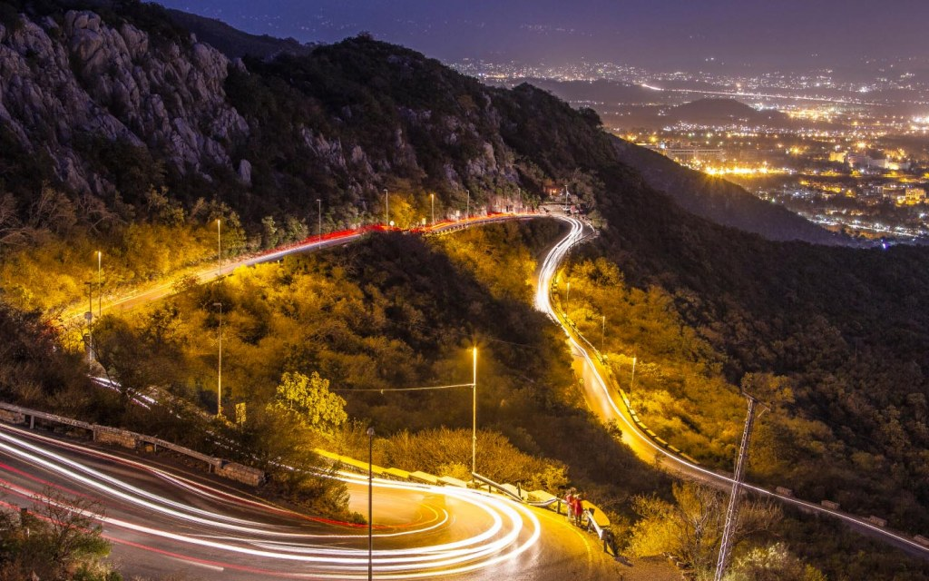 places to visit in Islamabad at night