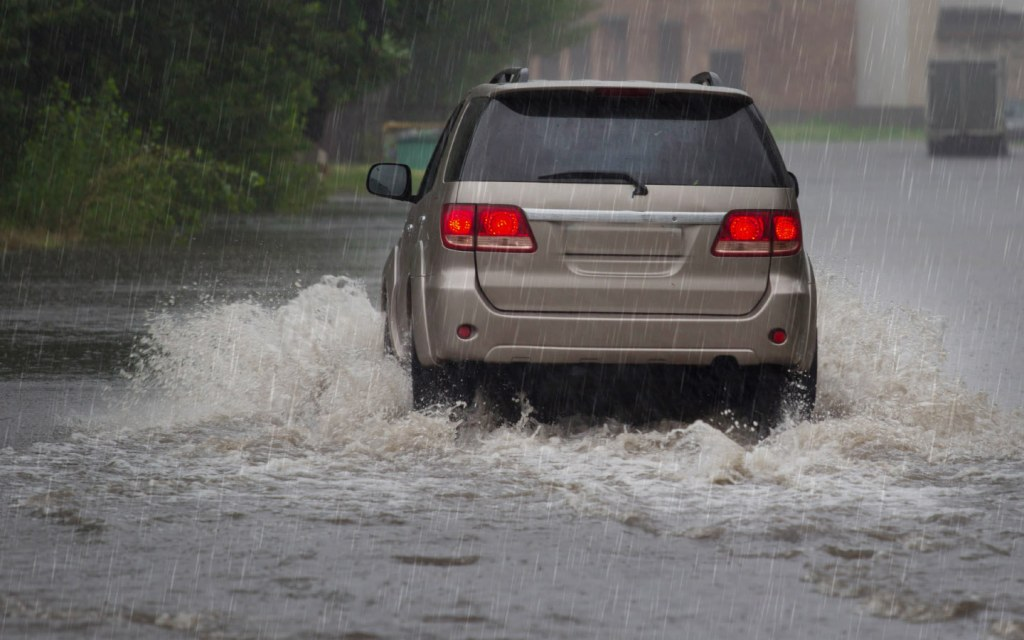 Prevent your car from any damage by driving slowly in the rain