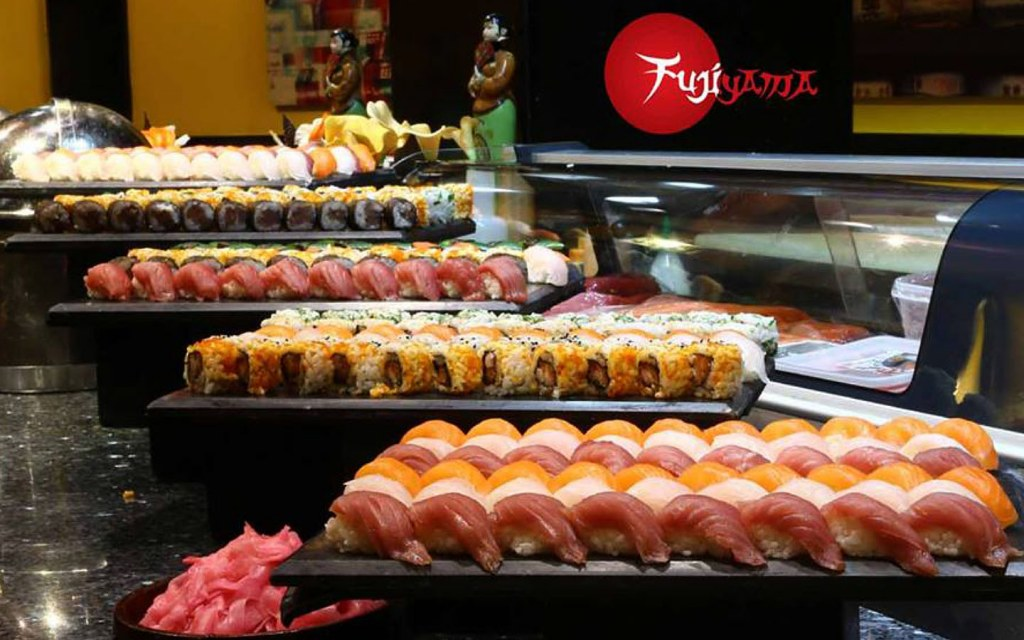 Fujiyama Restaurant in Avari Towers