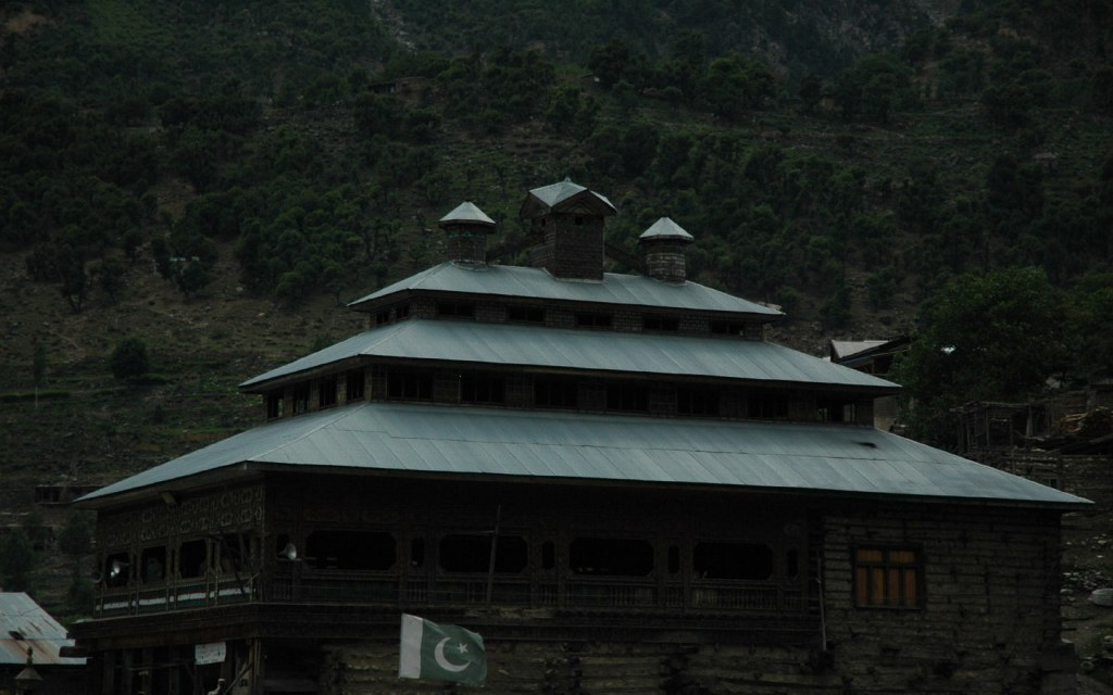 Hotels for night stay in Kumrat Valley