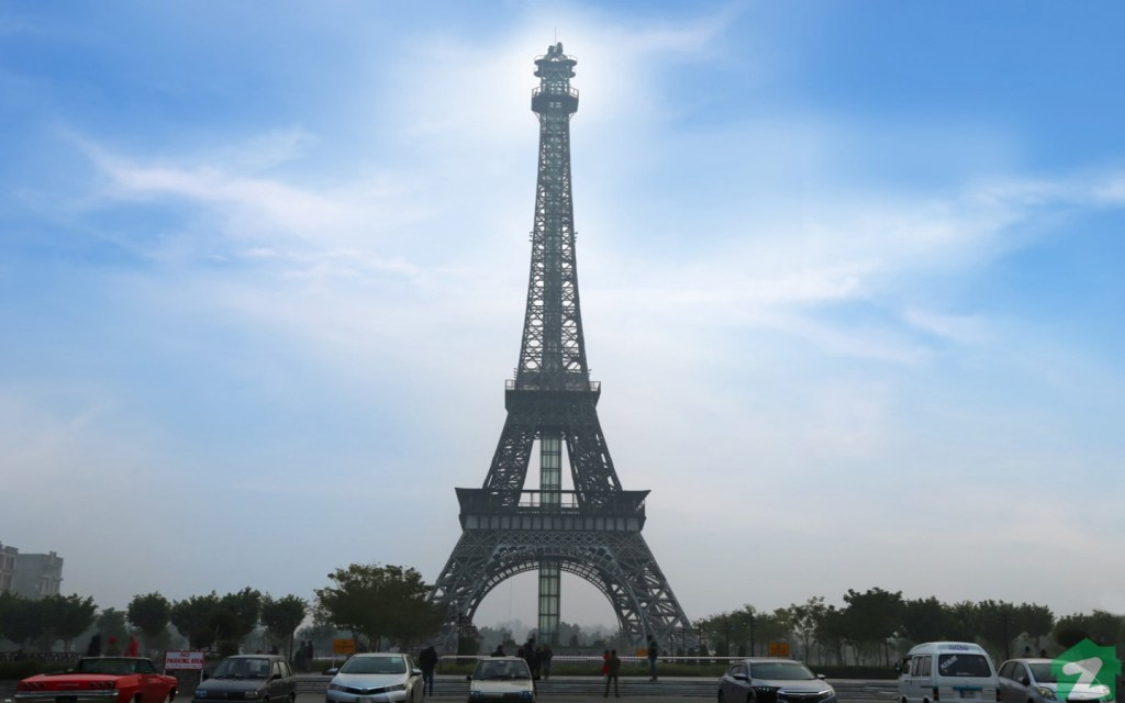 Replica of Eiffel Tower in Bahria Town Lahore