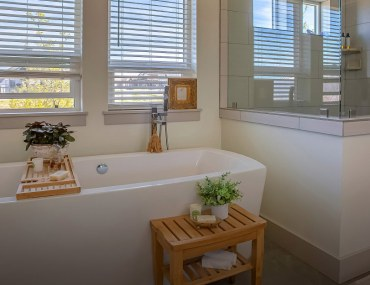 Ways to remodel your bathroom to give it a timeless appeal