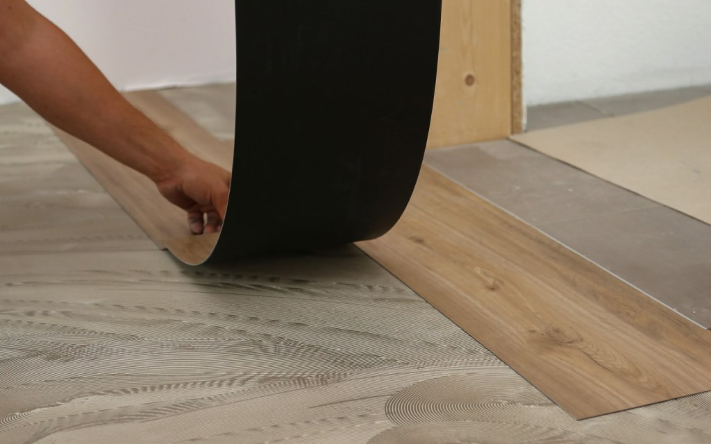 Vinyl flooring offers wooden as well as abstract patterns for your flooring needs