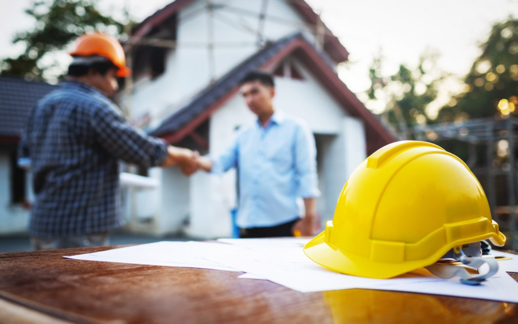 hiring a contractor to build a house