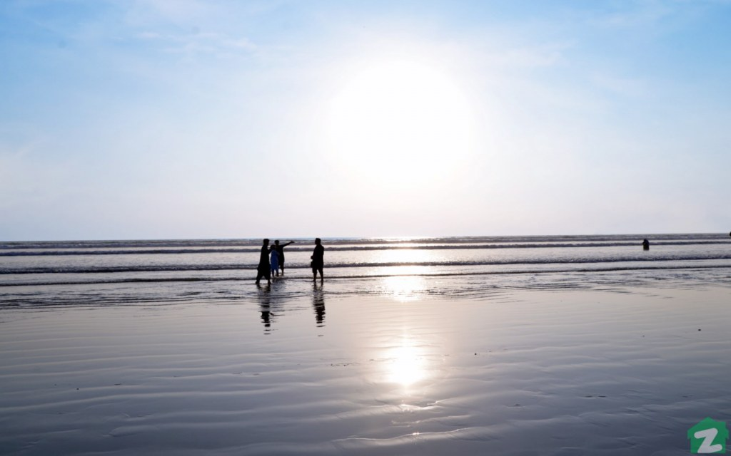 Sea view beach is accessible through Abdul Sattar Edhi Avenue