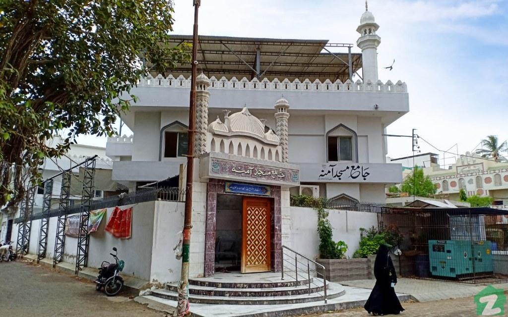 Mosques in Gulshan-e-Iqbal