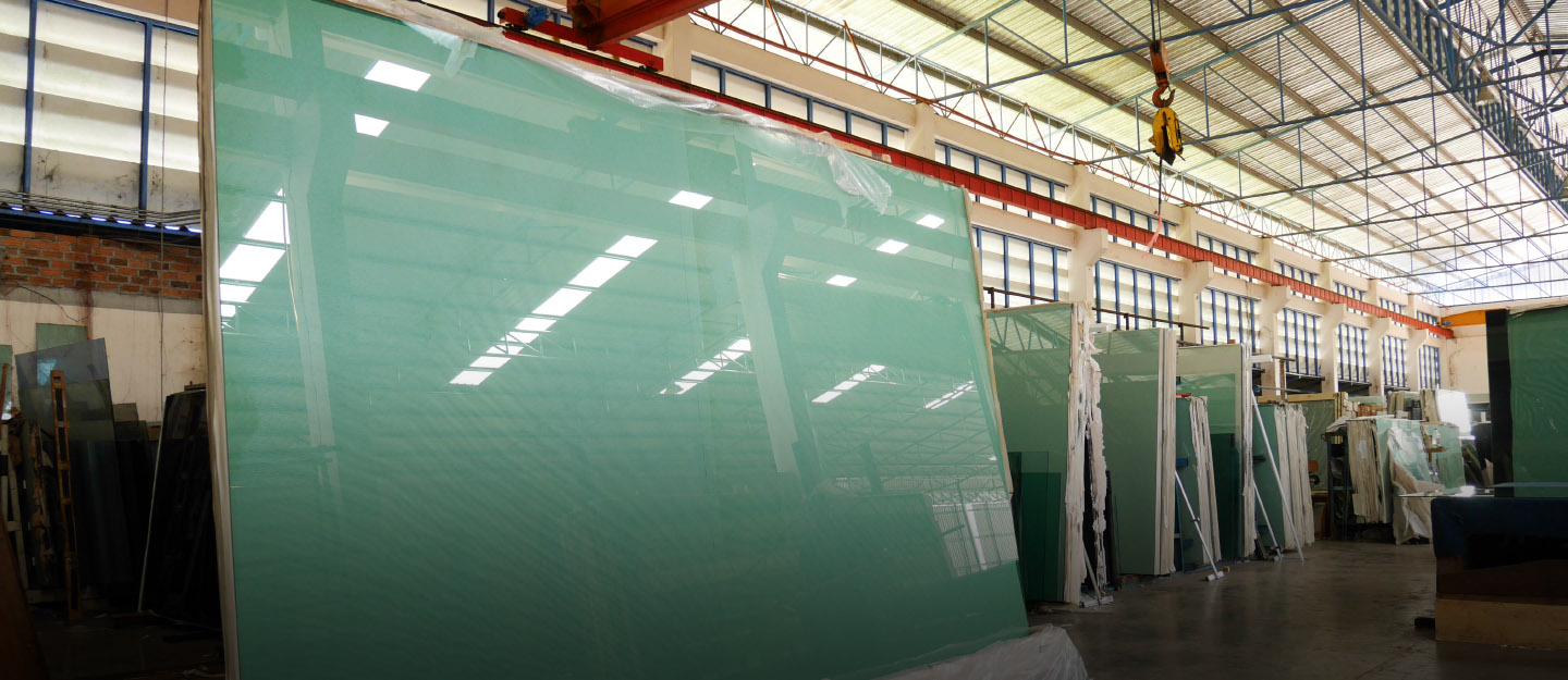 There are many types of tempered glass manufactured in Pakistan