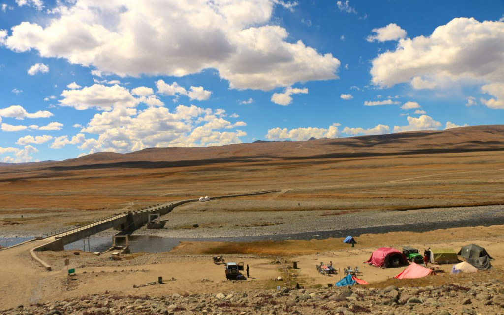 Stargazing is one of the many things to do in Deosai National Park
