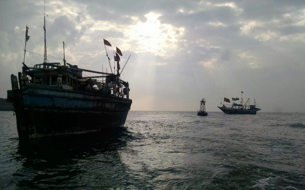 ships sailing near Khiprianwala Island