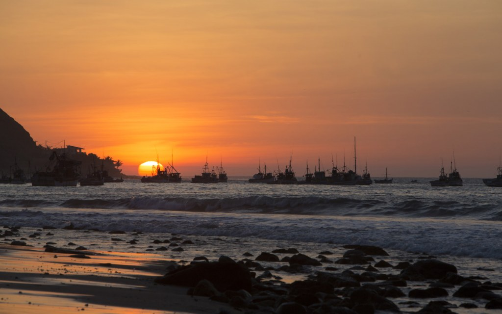 a beautiful sunset view of Manora Beach in Karachi