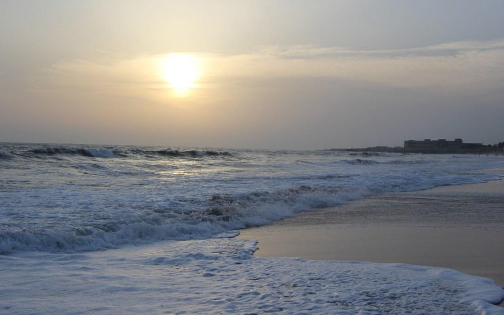 high tides near the twin islands