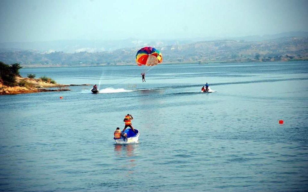 Dharabi lake is a perfect spot for boating, canoeing and fishing