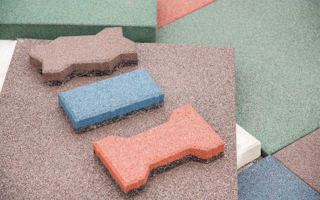 Rubber flooring is one of the most popular types of commercial flooring in Pakistan