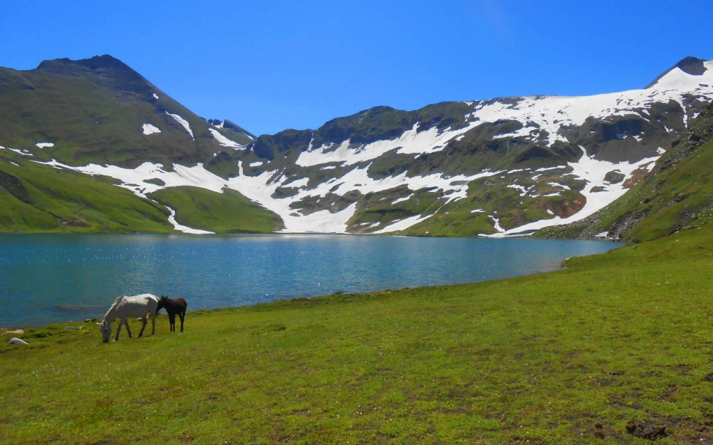 Dudipatsar Lake is a beautiful lake in Pakistan
