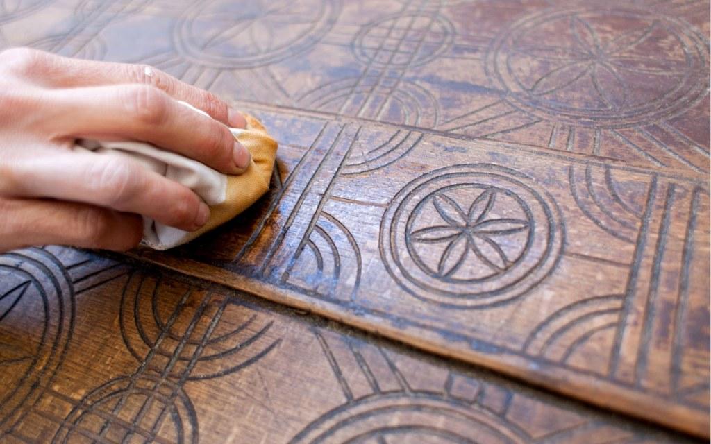 Clean the wood before polishing