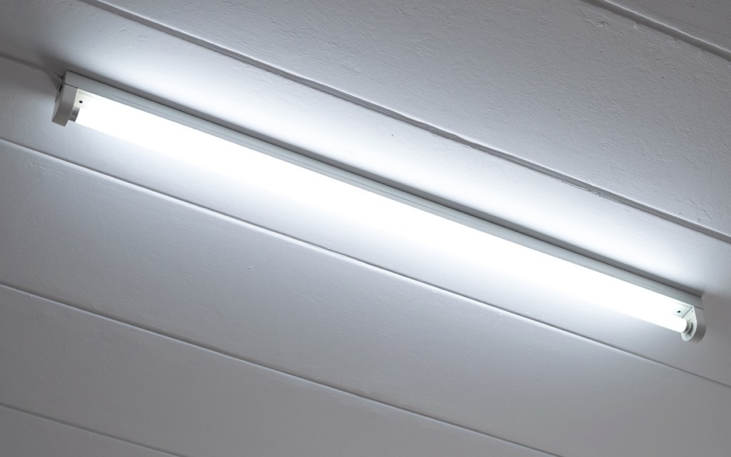 Tube lights remain the most popular type of indoor light fixture in Pakistan