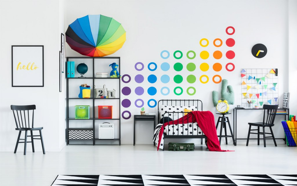 it always work to make your kids' bedroom colourful