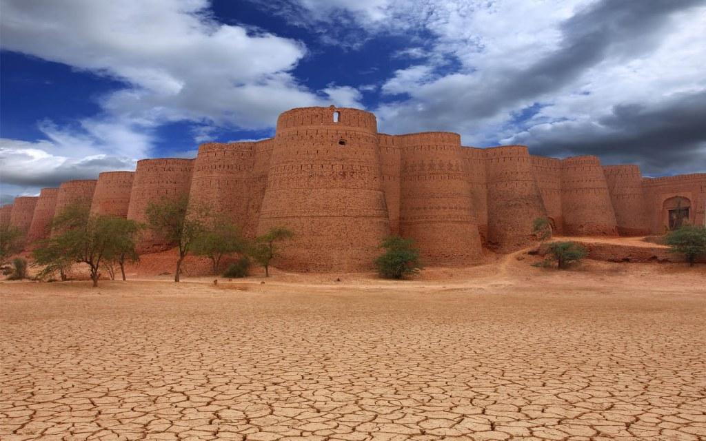 Derawar Fort in Cholistan Desert in Pakistan