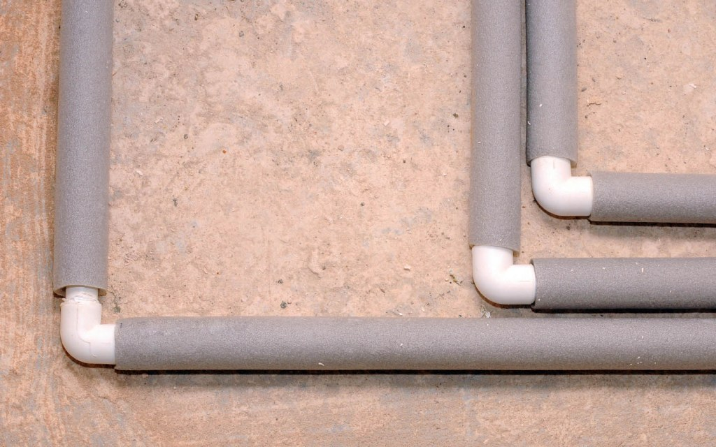 Cover the pipes to avoid heat escape