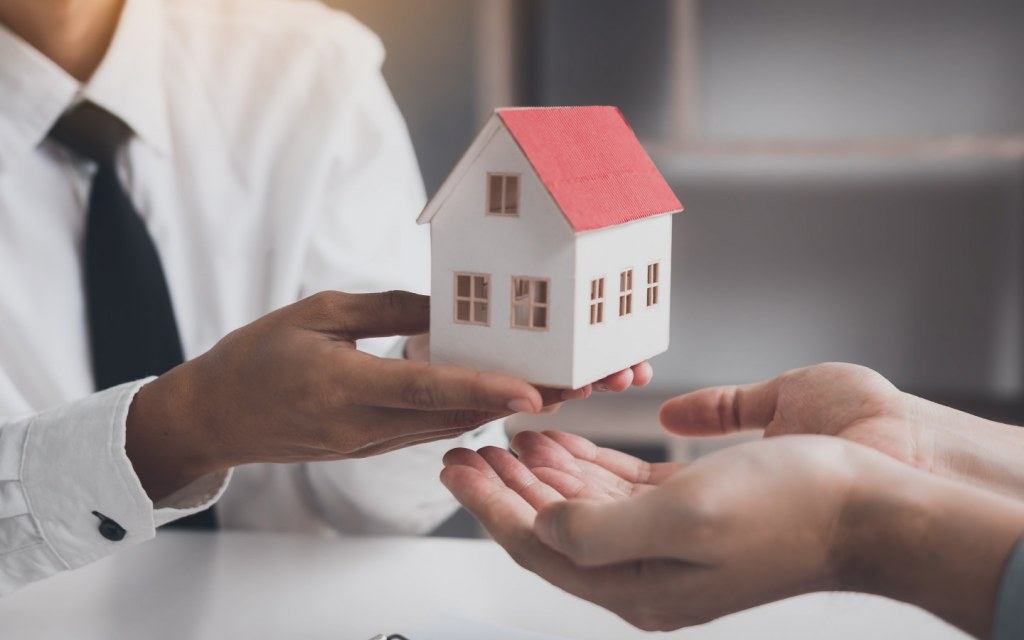 how to transfer property ownership in Pakistan