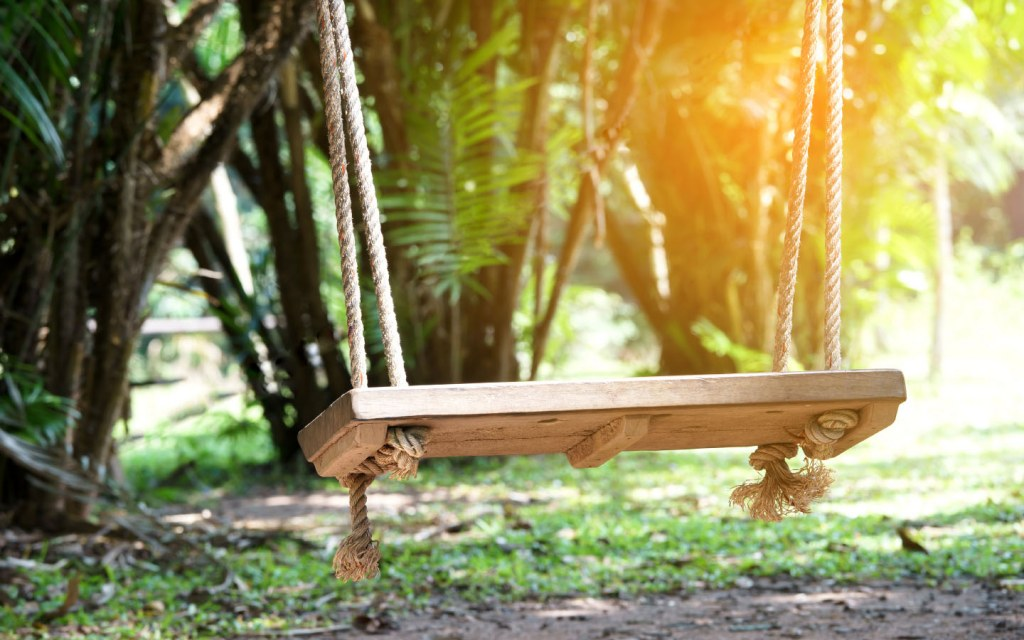 Make your own swing out of scrap wood