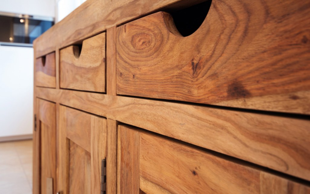 Pakistan exports wooden furniture to American and European countries
