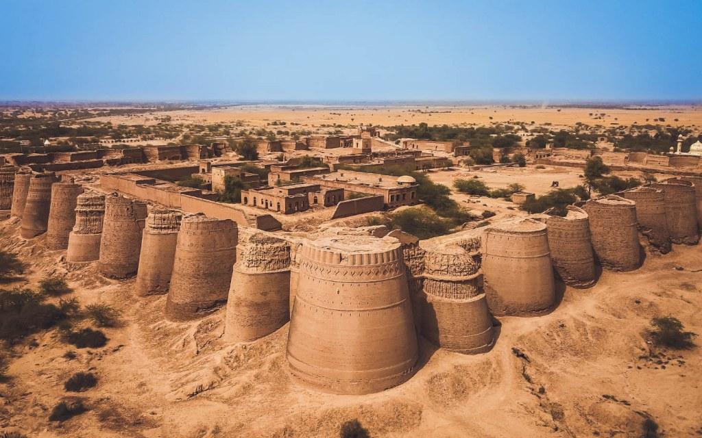 Architecture of derawar fort